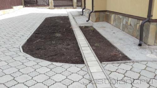 Пустующий участок в существующем саду